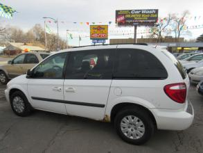2005 Chrysler Town amp Country Omaha NE 911 - Photo #1